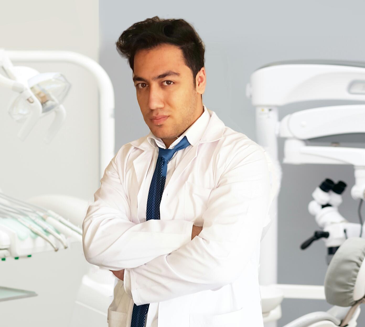 دکتر بنیامین کارگر
